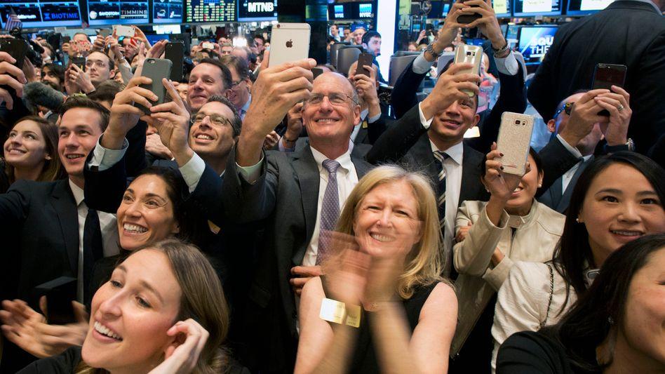 Stelldichein zum Börsengang: In Corona-Zeiten geht es auf dem Parkett der New Yorker Börse weniger dicht gedrängt vonstatten