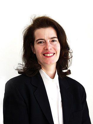 """Julia Kirby ist Redakteurin der """"Harvard Business Review""""."""