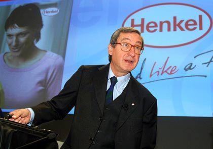 """Ulrich Lehner Vorstandsvorsitzender Henkel Gesamtbezüge 2004: 3,0 Mio. Euro (Dax-Durchschnitt: 3,6 Mio. Euro) Eigenkapitalrendite nach Eigenkapitalkosten: +35,3% (Dax: +3,8%) Wertschöpfung nach Eigenkapitalkosten: -3,5% (Dax: -1,6%) Gesamtbezüge-Platzierung im Dax-Vergleich: Rang 15 """"Pay for Performance""""-Platzierung im Dax-Vergleich: Rang 2"""