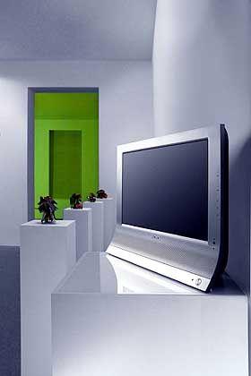 Sony neue LCD-Monitorreihe: HDTV-fähiger Fernseher und Computermonitor in einem.