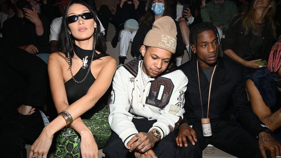 Street Credibility: Im Juni kamen Model Bella Hadid, DJ Chase B und der US-Rap-Star Travis Scott zur Männermodenshow des Luxushauses Dior nach Paris