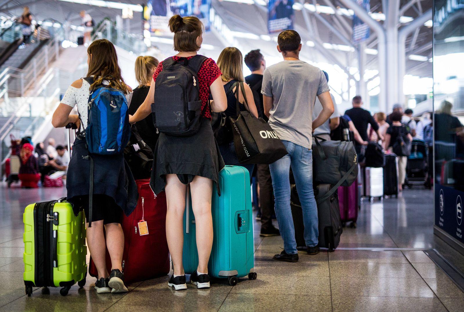 Ferienbeginn am Flughafen Stuttgart