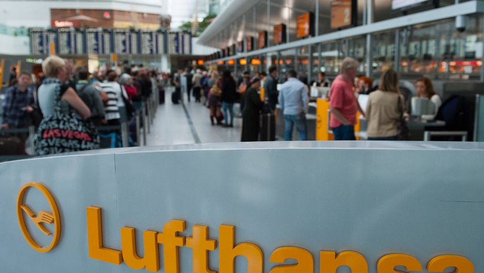 Streik bei der Lufthansa: Fluggäste ohne Weiterkommen