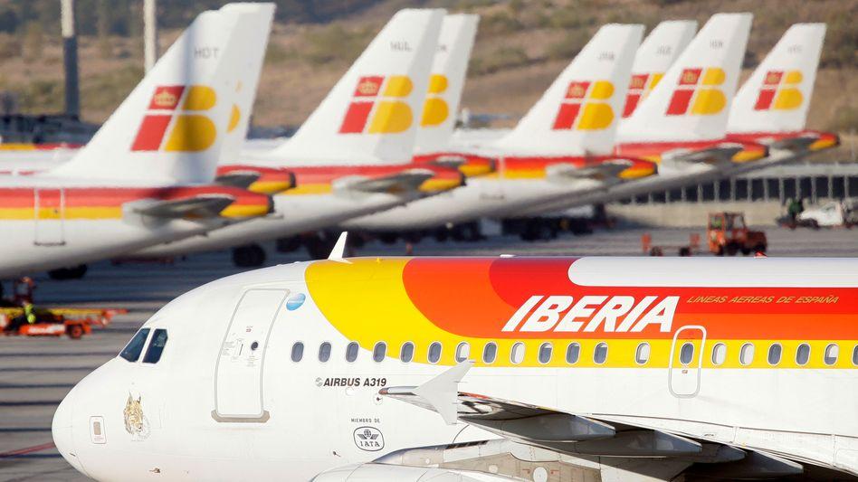 Iberia-Maschinen in Madrid: Weniger Stellenstreichungen