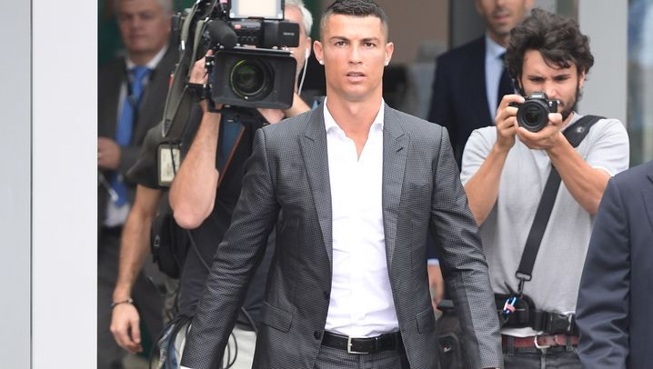 Christiano Ronaldo in Turin: Fans feiern den Fußballstar