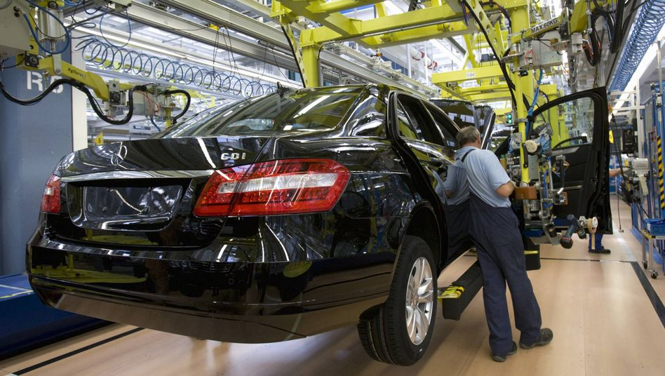 Autoindustrie: In 2009 erlöste die Branche rund 1525 Milliarden Euro