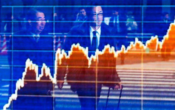 Schrilles Auf und Ab: Viele Deutsche bleiben dem Aktienmarkt fern