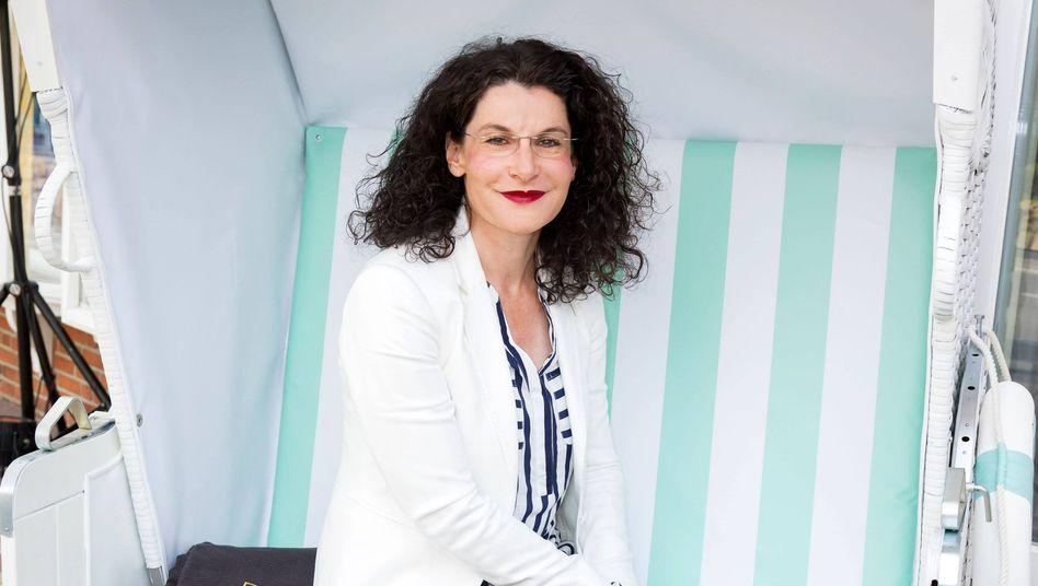 Kurs korrigiert: Douglas-Chefin Tina Müller reagiert auf öffentlichen Unmut