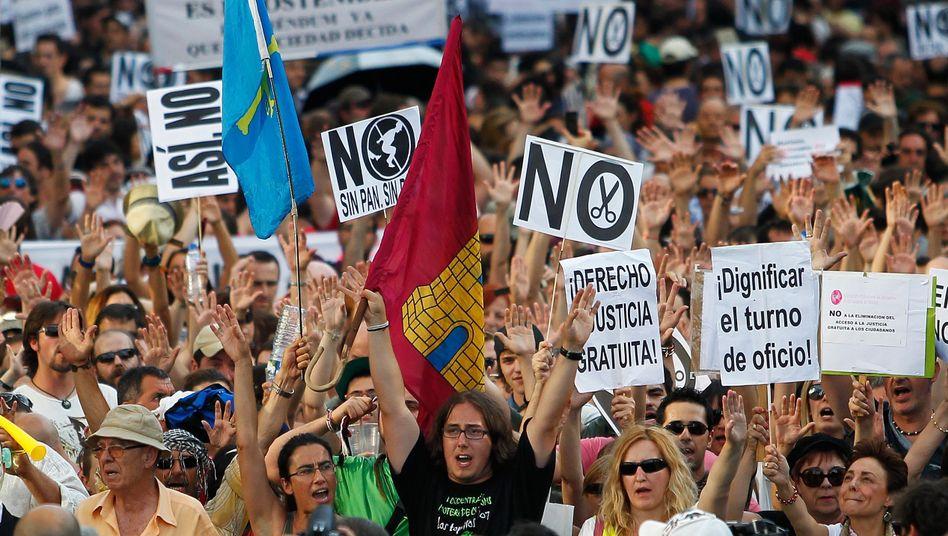 Protest in Madrid: Tausende Spanier demonstrierten nach einem Sternenmarsch aus dem ganzen Land gegen den Sparkurs der Regierung