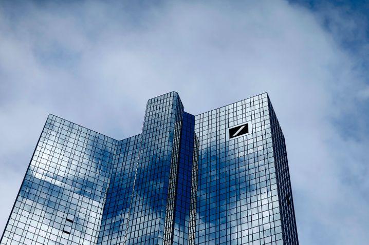 Deutsche Bank in Frankfurt: Massiver struktureller und personeller Umbau
