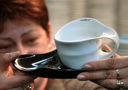 Designgeschirr: Capuccino aus der Colani-Tasse