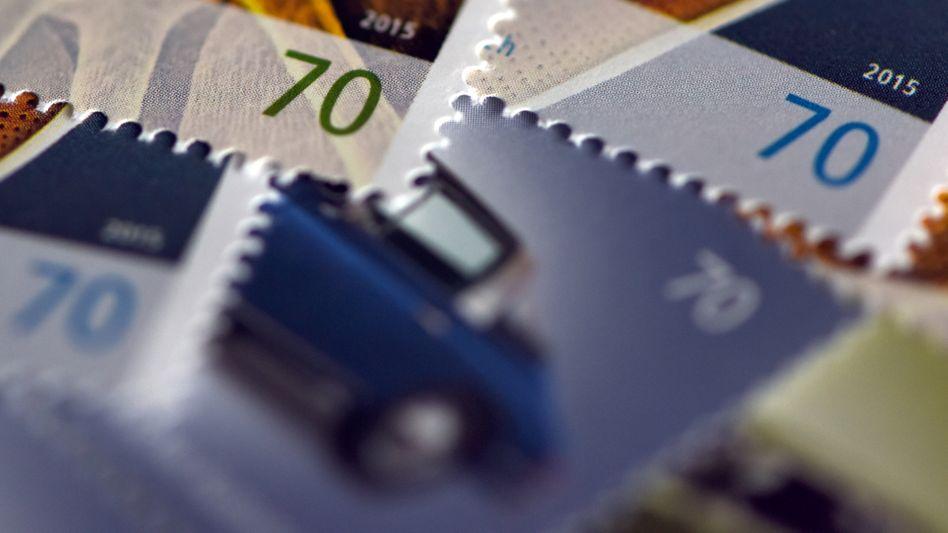 70-Cent-Briefmarken: Das Porto für einen Standardbrief könnte von 70 auf bis zu 90 Cent steigen