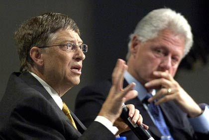 Gates und das Charisma: Mit Bill Clinton gegen die Immunschwäche Aids