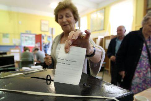 Bloß weg damit: Wie diese Irin wohl gestimmt hat