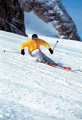 Austoben auf 115 Pistenkilometern: - in der Region Dachstein-Tauern können Skifahrer Weltcupabfahrten hinunterjagen