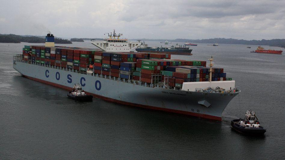 Containerschiff von Cosco: 5,5 Milliarden Dollar für OOCL