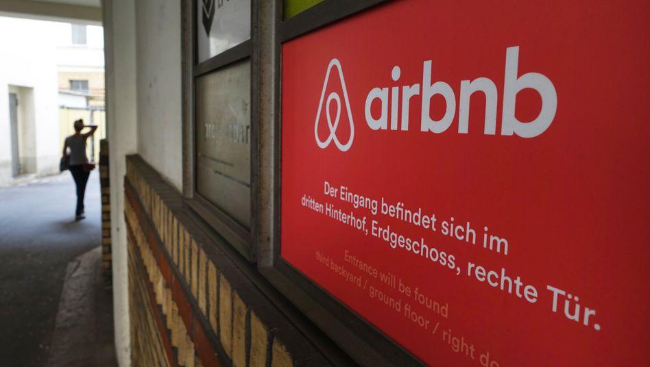 """Airbnb will künftig mehr sein als ein reiner Der Onlineübernachtungsdienst: """"Die Kunden suchen mehr und mehr nach personalisierten Erfahrungen. Sie wollen nichts von der Stange"""", sagt Nathan Blecharczyk, Mitgründer und CTO von Airbnb, im Interview mit manager magazin online"""