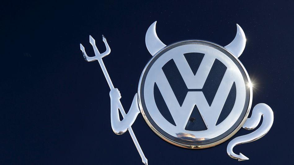 VW-Logo im veränderten Design: Eine Entschädigung wie in den USA lehnt der Konzern für Kunden in Europa ab