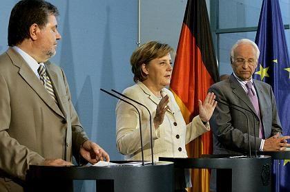 Beck, Merkel, Stoiber: Beiträge steigen, Steuern steigen