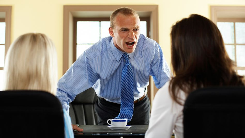 Anschreien nützt nichts: Zumindest selten. Flexibles Vorgehen dagegen führt dazu, seine Ziele auch mittelfristig durchsetzen zu können