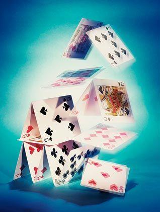 """Kartenhauscharakter: """"Die Weltkonstruktion beruht durchwegs auf Krediten bei der Zukunft"""""""