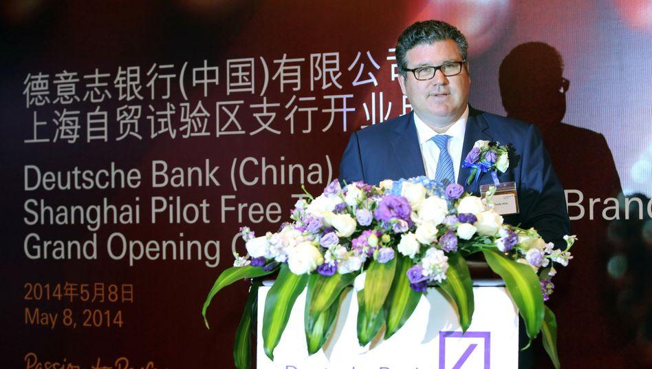 Deutschbanker Alan Cloete: Der Südafrikaner ist verantwortlich für das Asien-Geschäft des Konzerns und Mitglied im erweiterten Vorstand der Deutschen Bank (Group Executive Committee). Die Bank könnte sich auf Drängen der Aufsichtsbehörden in USA und Großbritannien von dem Jain-Vertrauten trennen