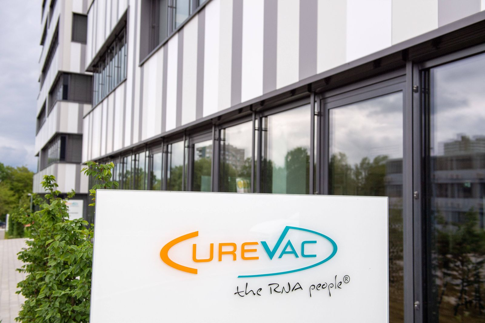 Tuebingen Themenfoto Corona Impfstoff, Bund investiert in Curevac, Impfstoffentwickler Curevac, 15.06.20 Firmenschild C