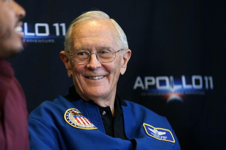 Charles Duke , 84, ehemaliger US-Kampfpilot, Luftfahrtingenieur und Astronaut der NASA. 1972 war er Pilot bei der Raumfahrtmission Apollo 16 und der zehnte Raumfahrer, der den Mond betrat - mit 36 Jahren. Jünger war kein Mondfahrer vor oder nach ihm