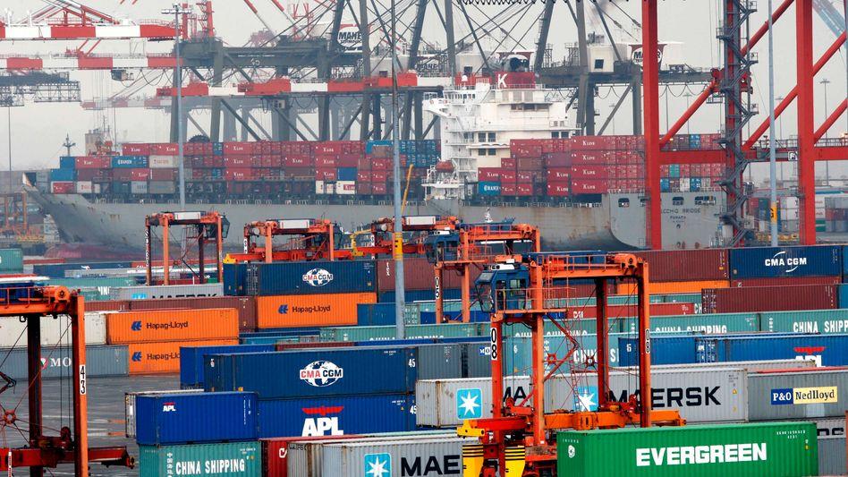 Hafen in New York: Geringeres Wirtschaftswachstum in Amerika als bisher gedacht