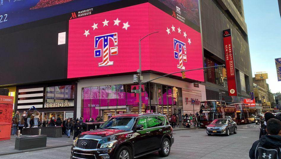 T-Mobile US: Die Fusion mit Sprint ist vollzogen. Nun will der hoch verschuldete Softbank-Konzern T-Mobile-Anteile an die Telekom verkaufen