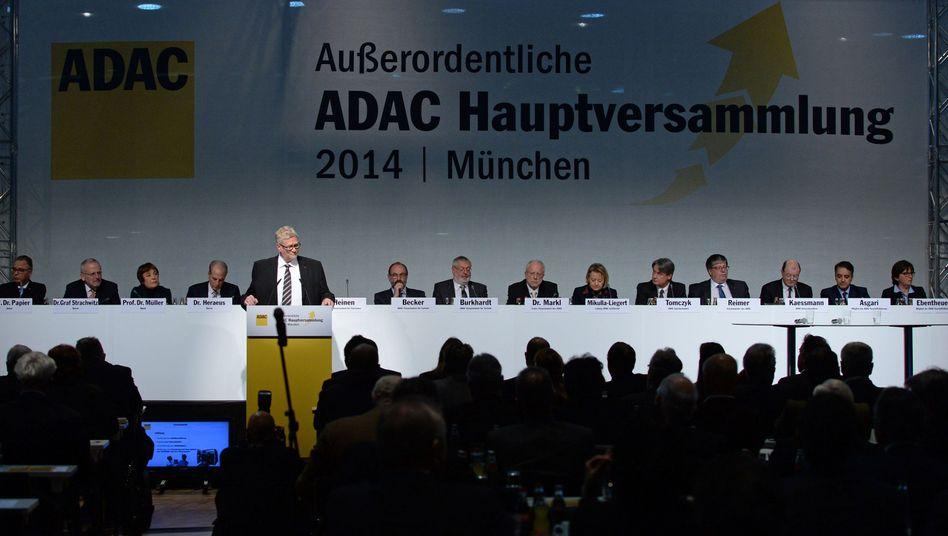 ADAC-Hauptversammlung in München: Einstimmig für die Reform