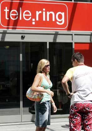 Übernahme in der Alpenrepublik: Die Deutsche Telekom übernimmt mit Telering knapp eine Million Mobilfunkkunden in Österreich