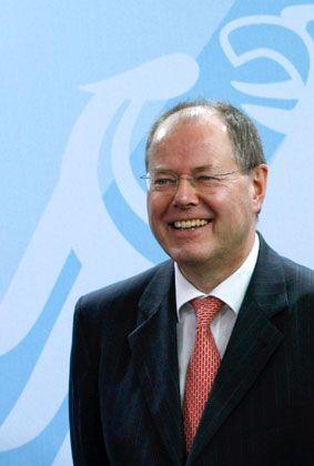 Auf dem Weg zum Staranleger? Finanzminister Steinbrück stellt den Banken über den Soffin viel Geld zur Verfügung