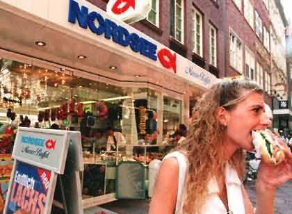 Schwer verkäuflich: Bereits 1997 hatte Apax die Fischbrötchenkette Nordsee von Unilever übernommen. Anläufe, die Restaurants and die Börse zu bringen, scheiterten seither.