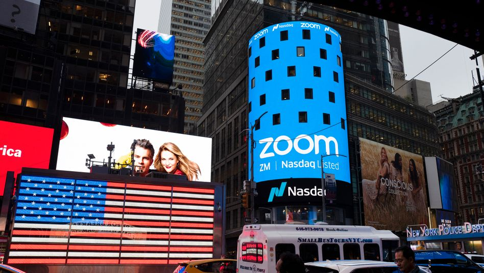 Krisengewinner: Zoom-Werbung der Nasdaq am New Yorker Times Square zum Börsengang im April 2019