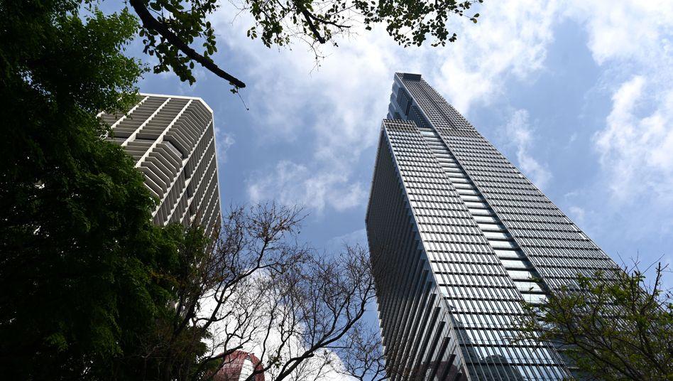 Wallich Residenz in Singapur: Dachgarten, Pool und großer Weinkeller