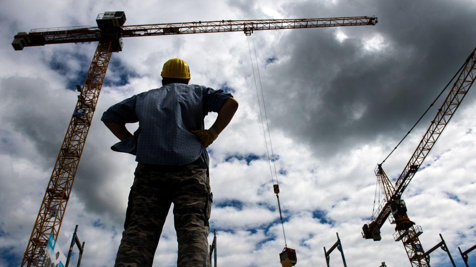 Beginn der Bodenbildung? Immerhin - die Führungskräfte in der deutschen Wirtschaft beurteilen die Aussichten besser als zuletzt.