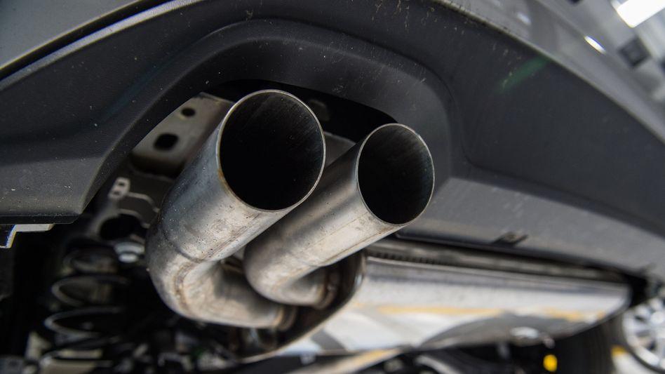 Aufpuff eines VW Golf-Diesels
