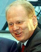 Herbert Bodner wirbt um Holzmann-Töchter.