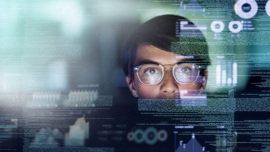 Alle Profile auf Xing oder LinkedIn im Blick zu behalten, ist für einen Menschen unmöglich – für eine künstliche Intelligenz aber kein Problem