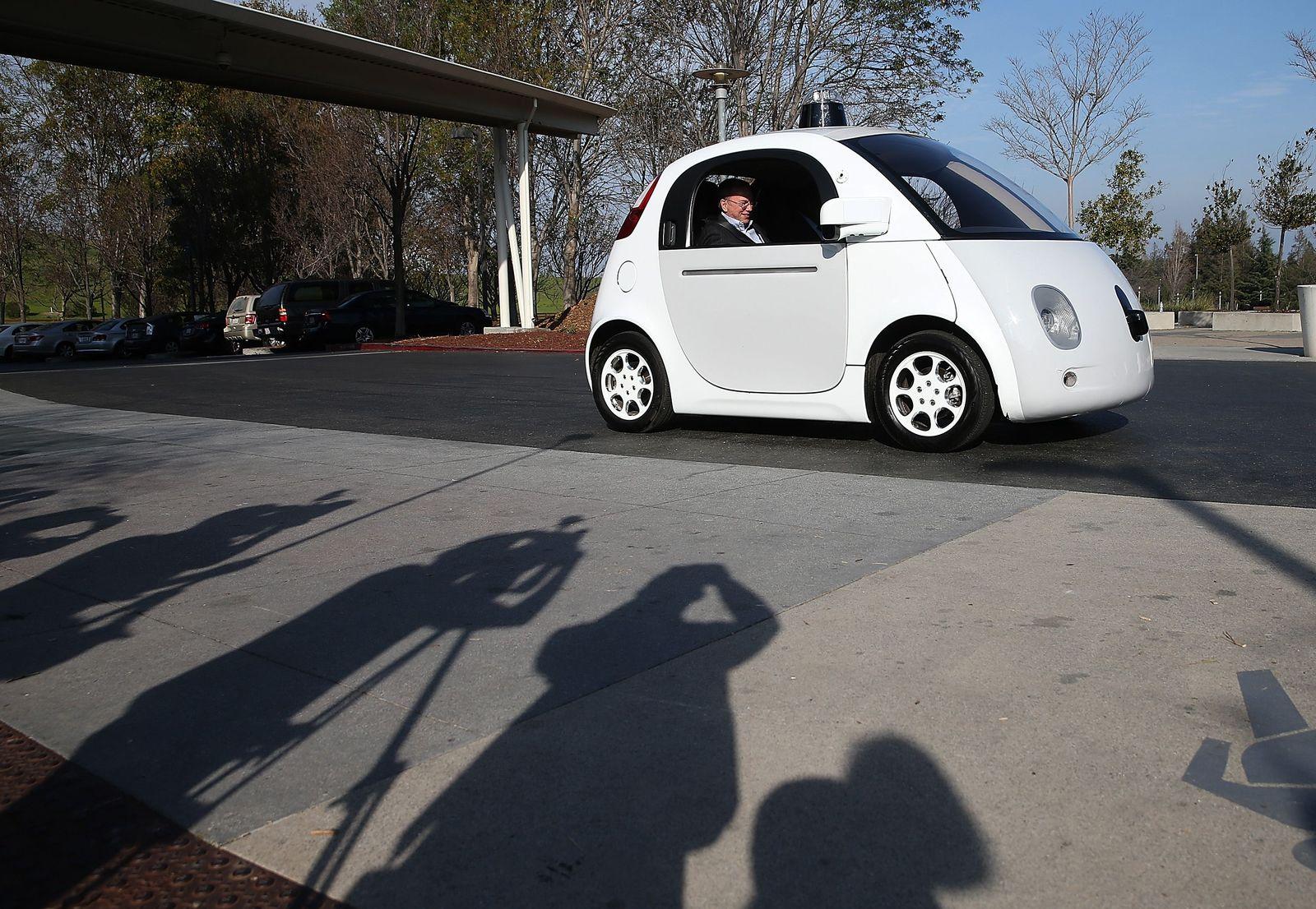 Auto der Zukunft / fahrerlos