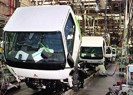 Objekt der Begierde: Mit der Übernahme der Lkw-Sparte gewönne die Asienoffensive von DaimlerChrysler an Fahrt