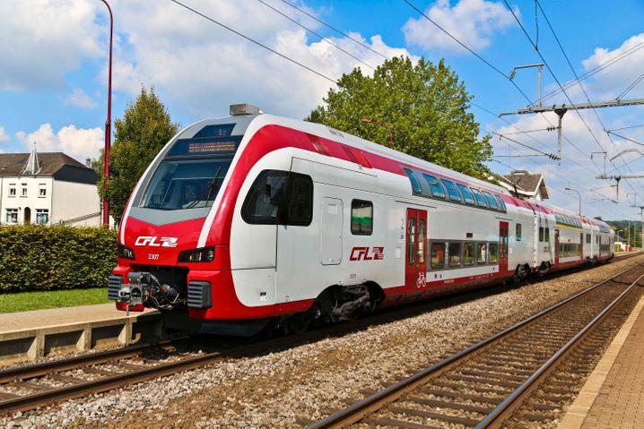 """""""KISS"""" wiederum ist auch ein hoffnungsvolles Produkt des schweizerischen Konzerns. In der Langversion: Komfortabler Innovativer Spurtstarker S-Bahnzug"""