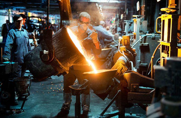 Produktion in der Metallindustrie: Die Industrie ist zumindest in Reichweite des 2020-Ziels - auch dank des Abbaus Ost