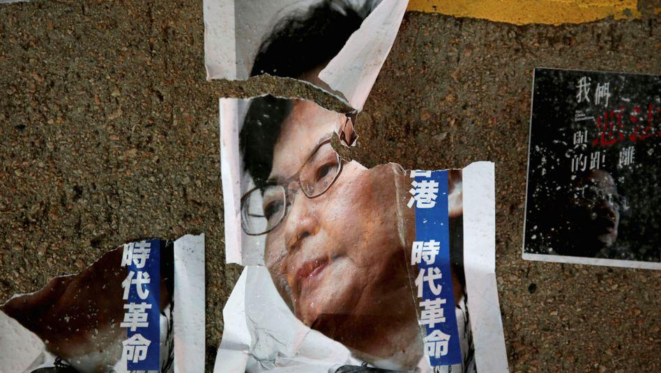 Gibt sich geschlagen: Hongkongs Regierungschefin Carrie Lam