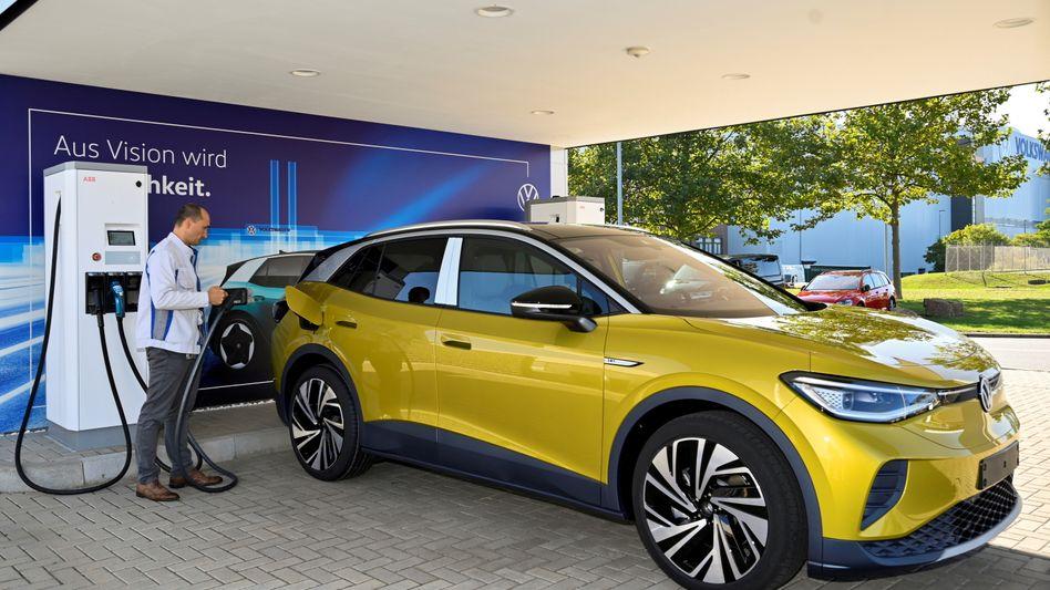 Made in Germany ... und im Ausland immer mehr gefragt, Elektroautos von deutschen Herstellern (hier ID4 von Volkswagen)