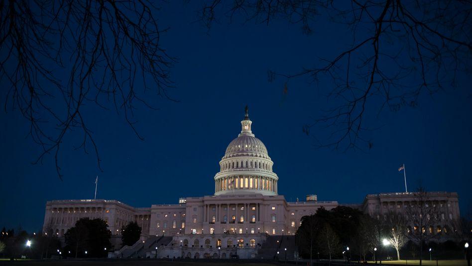 US-Regierung blockiert: Ohne Einigung gingen in den USA Republikaner und Demokraten in der Nacht zu Montag auseinander. Sie wollen heute Morgen die Verhandlungen wieder aufnehmen