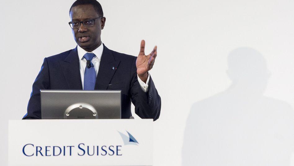 Tidjane Thiam: Der Credit-Suisse-Chef wehrte sich lange gegen die Höhe der Forderung, willigte dann aber ein, weil er eine Klage fürchtete
