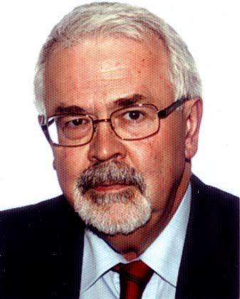 Helmut Becker ist Leiter des Instituts für Wirtschaftsanalyse und Kommunikation in München. Der ehemalige Chefvolkswirt von BMW ist Autor zahlreicher Fachbücher zur Automobilindustrie.