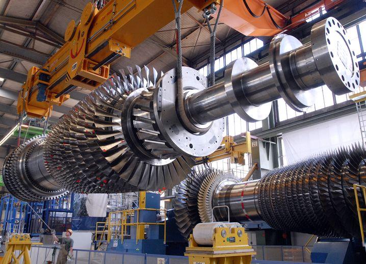 10.000 Einzelteile aus 200 Baugruppen: Um eine Gasturbine von Siemens zu installieren und zum Laufen zu bringen, braucht es viel Knowhow